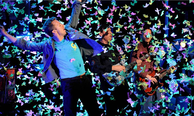 Up & Up dei Coldplay, un video surreale e ricco di fotografia
